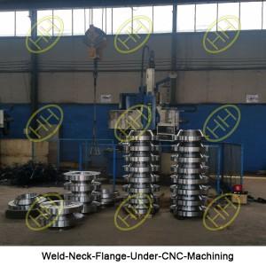 Weld-Neck-Flange-Under-CNC-Machining