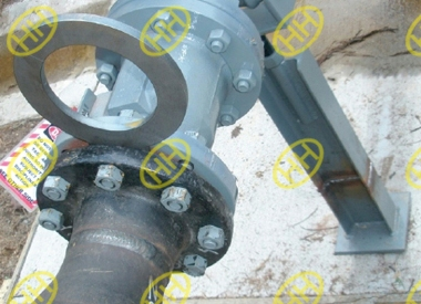spectacle-blind-flange-application-pipeline-install